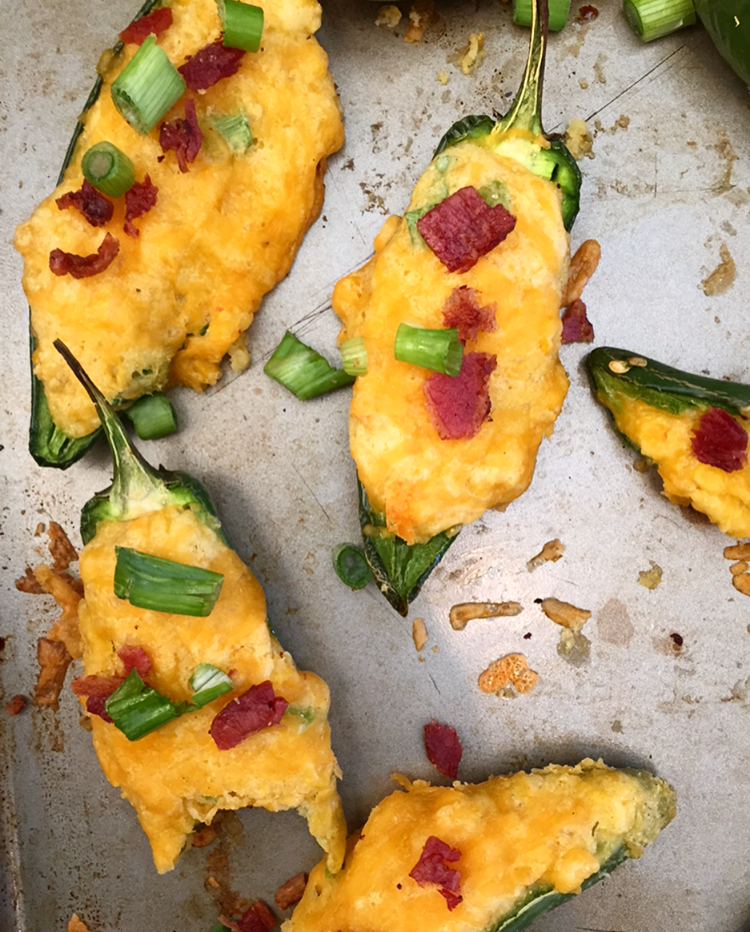 Cheddar Bacon Cornbread Jalapeno Poppers! This appetizer is SO easy to make and is a healthy version of the classic Jalapeno Popper. The whole family will LOVE this recipe.
